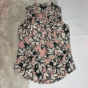 Banana Republic Petite Pink Flower Sleeveless Top